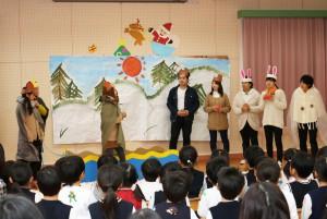 幼児教育科2回生が劇の発表会を行いました。